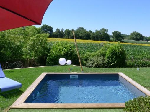 la petite piscine en bois mini piscine vercors piscine. Black Bedroom Furniture Sets. Home Design Ideas