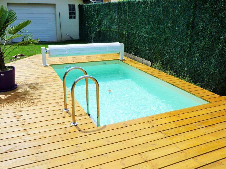 La petite piscine en bois mini piscine vercors piscine for Reglementation spa exterieur